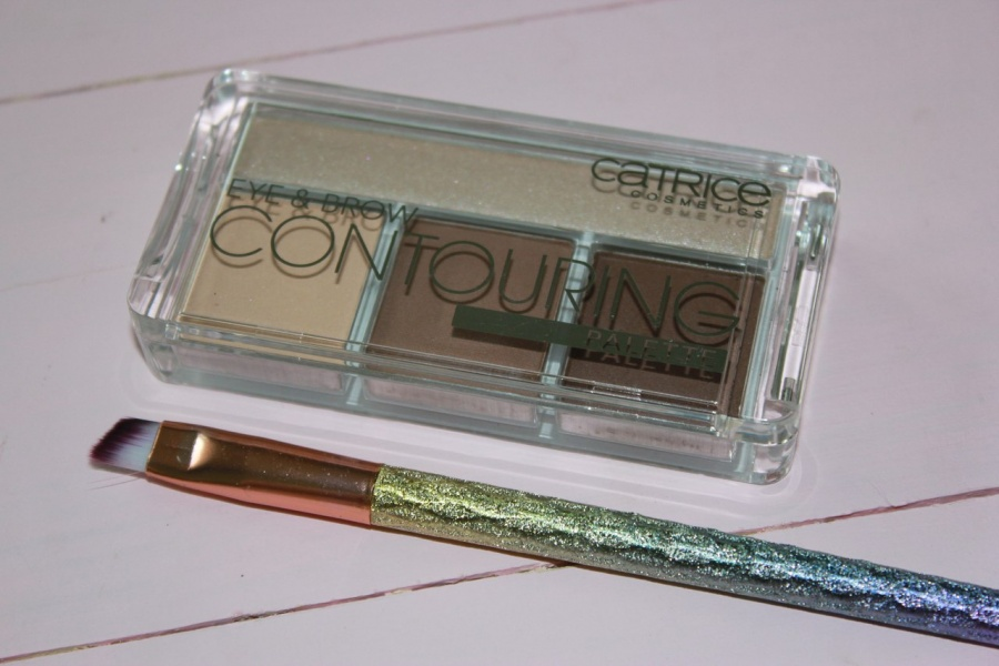 Beauty: Многофункциональна� палетка от Catrice EYE & BROW CONTOURING  в оттенке 020 BUT FIRST, HOT COFFEE!