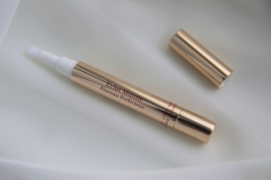 Beauty: Clarins Eclat Minute Pinceau Perfecteur Instant Light Brush-On Perfector в оттенке 00