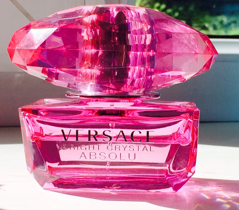 Perfume: Любима� поп�а. Versace Bright Crystal Absolu.