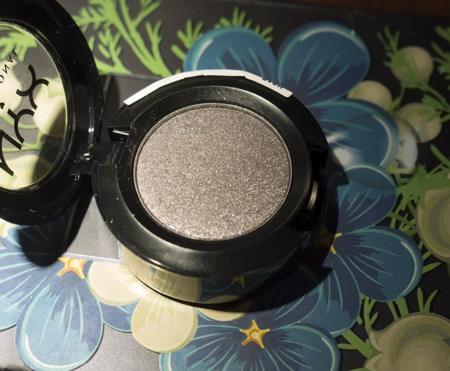 Beauty: Блог  Mandy_Lane: NYX Hot Singles Eyeshadows №17 dressed to kill. Пигментаци�, ты где?