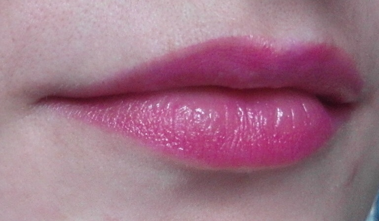 Beauty: Yves Rocher Radiant lip crayon оттенки �лый Мак и Ро�кошна� Роза